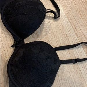 Black Victoria secret bra